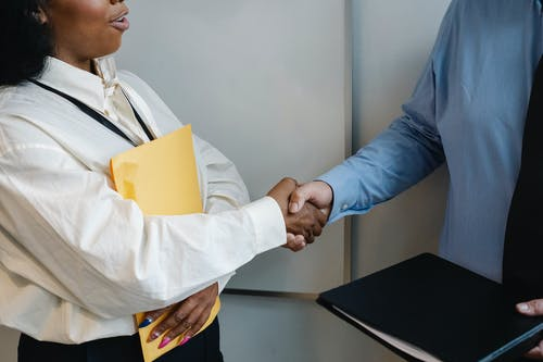 KEY DOCUMENTS IN A PRIVATE EQUITY TRANSACTION